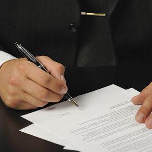 Подготовка и заявление различных ходатайств, жалоб и заявлений в ходе досудебного расследования и после обвинительного приговора
